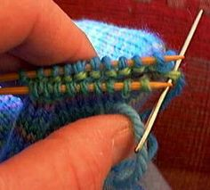 Awesome easy to understand kitchener stitch instructions along with some other knitting lessons. Did this~ very clear tutorial without extraneous chitchat.  This is how I always do Kitchener now. ~MA