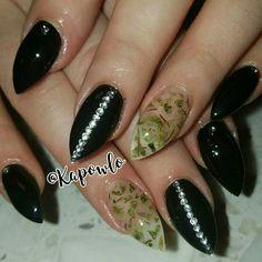 Weed nails stilleto nails