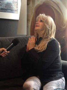 Bonnie Tyler interviewed by Roumanian TV.  12/05/2013 #bonnietyler #eurovision #gaynorsullivan #gaynorhopkins #thequeenbonnietyler #therockingqueen #rockingqueen #2013 #malmo #uk #unitedkingdom #music #rock