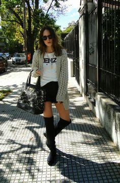 bucaneras Snow Falls, Party Looks, Falling Down, Fall Looks, Spring Style, Spring Fashion, Leather Skirt, Autumn, Outfits
