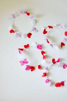 diy: crepe paper heart crown