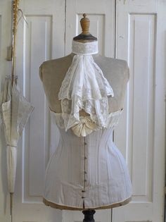 Bonne idee for lace collars