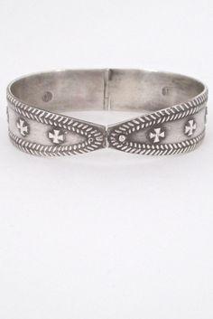 Kalevala Koru, Finland - vintage hinged silver bracelet #bracelet #Finland
