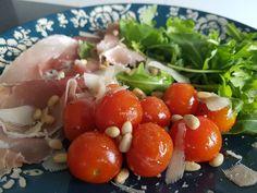 Prosciutto, Caprese Salad, Quinoa, Vegetables, Food, Salad, Essen, Vegetable Recipes, Meals