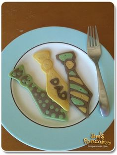 Need to start practicing so I can make these for Father's Day breakfast in bed! Need to start practicing so I can make these for Father's Day breakfast in bed! Father's Day Breakfast, Breakfast Items, Beignets, Pancake Designs, How To Make Pancakes, Making Pancakes, Pancake Art, Food Displays, Fathers Day Crafts