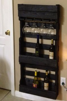 Wine rack made from a pallet | DIY