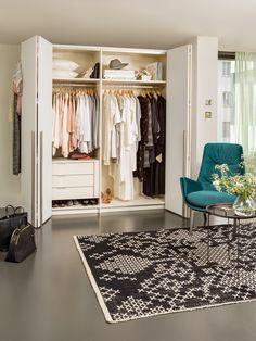 Micasa Schlafzimmer mit Panoramaschrank MODUL, individuell zusammenstellbar Armoire, News, Home Decor, Arredamento, Bed With Drawers, Walk In Wardrobe Design, Bedroom, Homes, Clothes Stand
