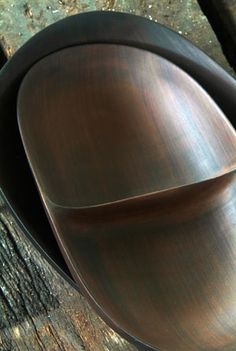 Rina Menardi - I thought this was a beautiful wooden bowl....it is ceramic!