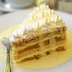 Merengue Cake, Coffee Bread, German Desserts, Sweet Buns, Sweet Recipes, Tiramisu, Gingerbread, Bakery, Pie