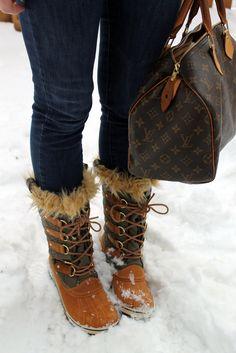Image from http://bowsandsequinsdotcom.files.wordpress.com/2012/01/snow-sorel-5.jpg.
