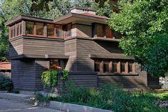 Mary Greenlees Yerkes House (John S. Van Bergen, 1912). A creative interpretation of Wright's Fireproof House features original fixtures and built-ins.