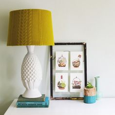 Create this easy removable cozy cable knit lampshade cover perfect for the cool days ahead!