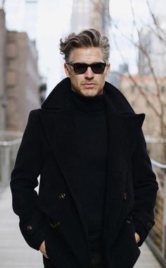 rutherford - with a fall combo idea with black framed sunglasses black pea coat black turtleneck black denim Gentleman Mode, Gentleman Style, Mode Masculine, Grey Hair Men, Black Pea Coats, Outfits Hombre, All Black Looks, Herren Outfit, Black Turtleneck