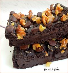 Brownies al Cacao Proteici e Vegan 4 Ingredienti - Fit with Fun Banana Recipes, Avocado Recipes, Vegan Recipes, Vegan Food, Vegan Protein, Protein Snacks, Protein Recipes, Tortilla Sana, Chocolate Delight