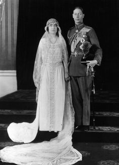 York Wedding. Queen Elizabeth (nee Bowes Lyon) & Prince Albert wearing RAF full dress in the rank of group captain, his senior service rank at the time of his marriage (1923) So dumpy.