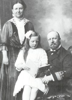 Queen Wilhelmina with prince Henry and their only child princess Juliana