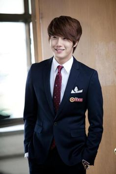 *SIGH* THAT SMILE!!!   Jung Il Woo as Cha Chi Soo in Flower Boy Ramyun Shop