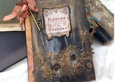Etsy の Steampunk themed Wedding Guest Book by youruniquescrapbook