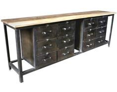 Industrieel metalen dressoir