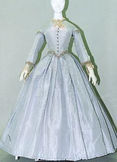 1865 - robe en soie bleue Victoria et Elizabeth