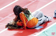 Woah Moonbyul and Solar O///O