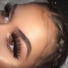 Lashes for days @Itsmypics