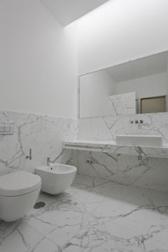 Marble bathroom in the House in Pousos by Portugese architect Ricardo Bak Gordon.