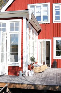 Fru fix och trix: Torsdagstemat på Fabriken: Favorithörna Country Home Exteriors, Small Places, House Extensions, Patio Roof, Scandinavian Home, Modern Kitchen Design, Deco, Home And Family, Sweet Home