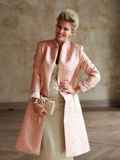 Standing Collar Coat (Plus Size) Me encanta, aparece como moda plus. Plus Size Sewing Patterns, Clothing Patterns, Mode Chic, Jacket Pattern, Coat Dress, Modest Outfits, Mantel, Plus Size Fashion, Clothes For Women