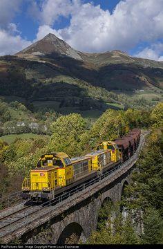 RailPictures.Net Photo: SNCF BB 69000 at Saint-Jacques-des-Blats, France by Pierre-Louis Espinasse