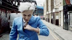 "KPOP Highlight: G-DRAGON- ""Crooked"" MV – neaux clicked-on-it"