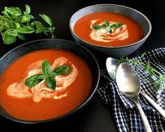 Ovnbagt tomatsuppe med løg og krydderurter…