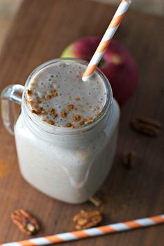 Apple Pie Smoothie ~vegan, gluten free~ Tastes just like apple pie a la mode, but healthier for you!