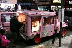 So jealous of New Yorkers...a Cotton Candy Truck!! Great idea..I do need some extra money...hmmm where can I get a pink little truck.