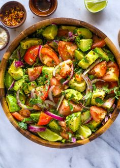 Tomato, avocado, red onion and cilantro lightly coated with fresh lime juice and olive oil. This quick an easy salad makes the perfect healthy side dish. This flavorful tomato and avocado salad is … Cucumber Avocado Salad, Avocado Salad Recipes, Salad Recipes For Dinner, Easy Salads, Healthy Salad Recipes, Salad Recipes Video, Tomato Salad, Easy Meals, Easy Recipes