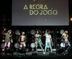 Festa de lançamento da nova novela A Regra do Jogo, movimenta a noite carioca. O evento social reuniu atores e convidados para celebrar a trama que começa a ser exibida na próxima segunda-feira.