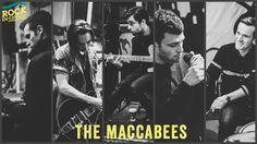 #SAMEDI29AOÛT #RES15 Auteurs de trois albums pleins d'un rock primesautier et appliqué, ces Maccabees ne portent pas le faux préfixe « Macca » pour rien : Il y a du Beatles dans leur nonchalante façon d'être si élégants, et les aperçus de leur quatrième album tendent déjà à prouver qu'on a largement sous-estimé la portée de ce groupe. Il n'est jamais trop tard pour se rattraper : The Maccabees seront pour la première fois à Rock en Seine.