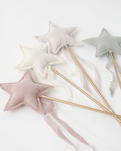 The Numero 74 Luna star wands will make any girls fairy dreams come true with their dreamy colours, hints of sparkle and tulle/cotton combination. Christmas Stocking Fillers, Christmas Stockings, Diy For Kids, Crafts For Kids, Craft Projects, Sewing Projects, Sewing Ideas, Star Wand, Luna Star