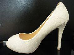 Para novias modernas. Zapatos de textura animal print.