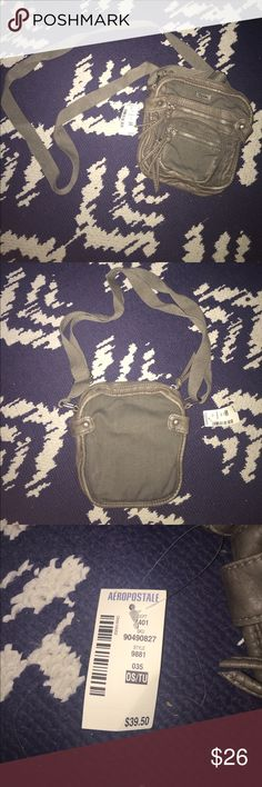 Army green purse This purse has never been used and still has its tags! Aeropostale Bags Crossbody Bags