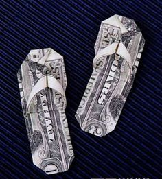 Money slippers paired with some Isotoners equals the perfect graduation gift! Origami And Quilling, Paper Crafts Origami, Oragami, Origami Art, Dollar Bill Origami, Money Origami, Dollar Bills, Folding Money, Paper Folding