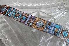 Handmade Artisan Beadwork Bracelet  por DancingDogStudio en Etsy, $120.00