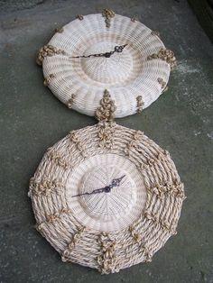 Paper Basket Diy, Basket Crafts, Newspaper Basket, Wicker, Crochet Earrings, Weaving, Pictures, Hampers, Ornaments