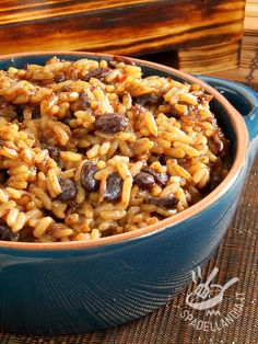 Il Risotto ai fagioli borlotti è un piatto della tradizione contadina italiana ed è una pietanza unica, se accompagnata da un contorno di verdure fresche. Side Dish Recipes, Side Dishes, Pizza, Macaroni And Cheese, Food And Drink, Lunch, Diet, Cooking, Breakfast
