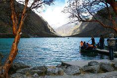 Laguna de Llanganuco, Peru
