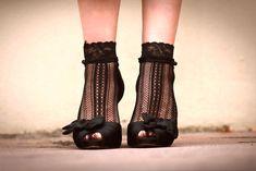 styling socks, lace, high heels, sydney fashion blog