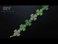 Four leaf clover beaded bracelet. Beading tutorial Inspiration Board: A summer project that I can hardly wait for! Beaded Bracelets Tutorial, Beaded Bracelet Patterns, Seed Bead Bracelets, Seed Bead Jewelry, Bead Jewellery, Beading Patterns, Beads Tutorial, Tatting Patterns, Wire Jewelry
