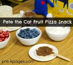 Pete the Cat Fruit Pizza Snack
