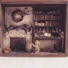 "Miniature ""witches shack"" room box in scale. Halloween Village, Fete Halloween, Halloween Haunted Houses, Halloween Crafts, Halloween Witches, Haunted Dollhouse, Haunted Dolls, Diy Dollhouse, Dollhouse Miniatures"