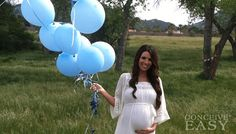 Are you hoping to get pregnant with a boy? Try these top 10 tips to help you get pregnant with a boy. Maybe they are old wives tales, or maybe theyre true. - visit our page to check Maternity Pictures, Pregnancy Photos, Baby Pictures, Baby Photos, Photo Bb, Danielle Victoria, Gender Reveal Photos, Gender Reveal Outfit, Shower Bebe